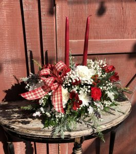 christmas-traditions-centerpiece-with-candles